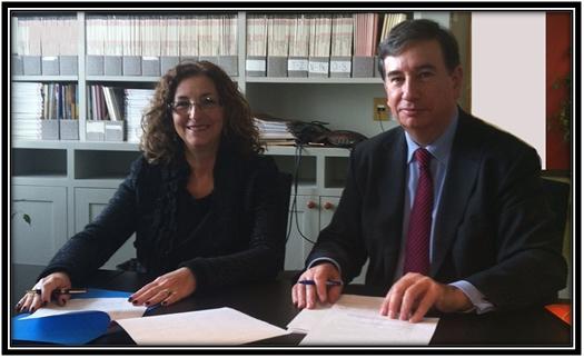 Madame Diane Ouellet, directrice générale de la Société de gestion de la BTLF et Monsieur Philippe Beauvillard, directeur général d'Electre, lors de la signature de l'entente.